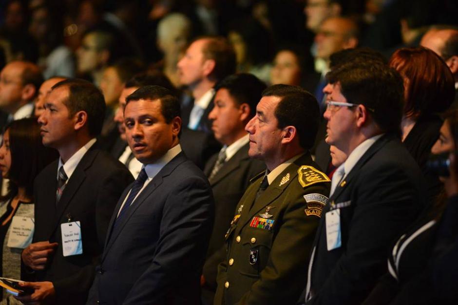 Los ministros del nuevo presidente participaron del evento religioso. (Foto: Jesús Alfonso/Soy502)