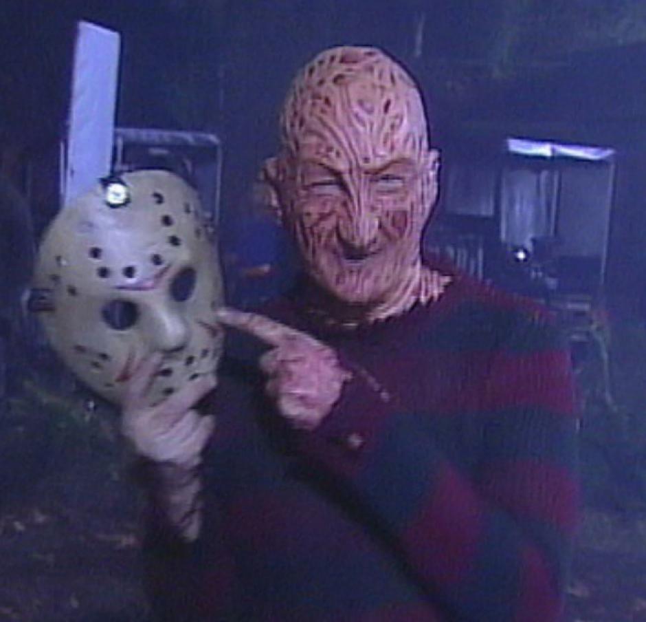 Freddy Krueger junto a la máscara de Jason. (Foto: Robert B. Englund/Instagram)