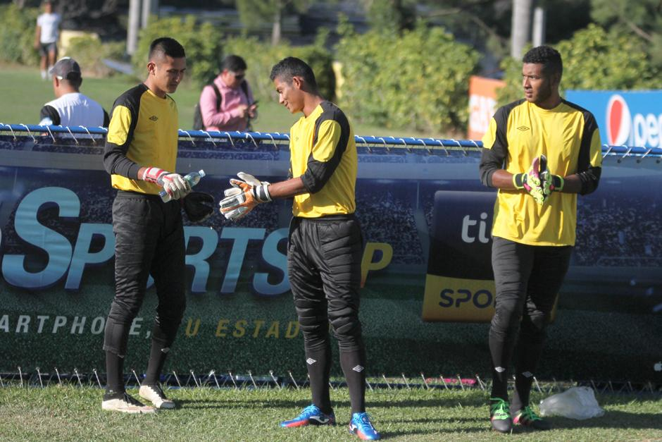 José García, Fredy Pérez y Miguel Bonilla los porteros convocados. (Foto: Luis Barrios/Soy502)