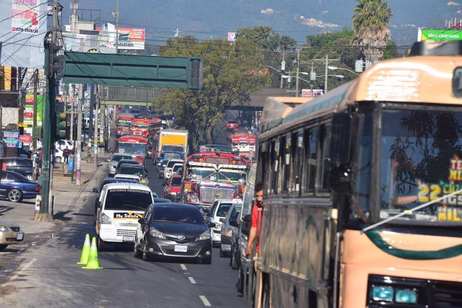 El tránsito en el sector es complicado desde tempranas horas de este martes. (Foto: Jesús Alfonso/Soy502)