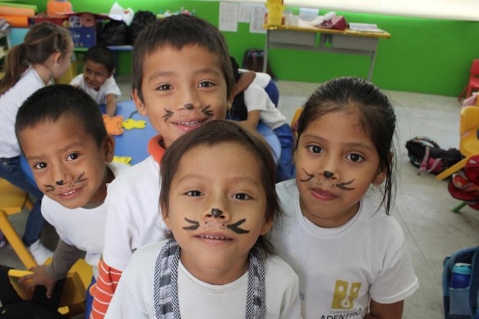 Los niños compartieron una bella velada. (Foto: Esther García y Elly de Dardón)