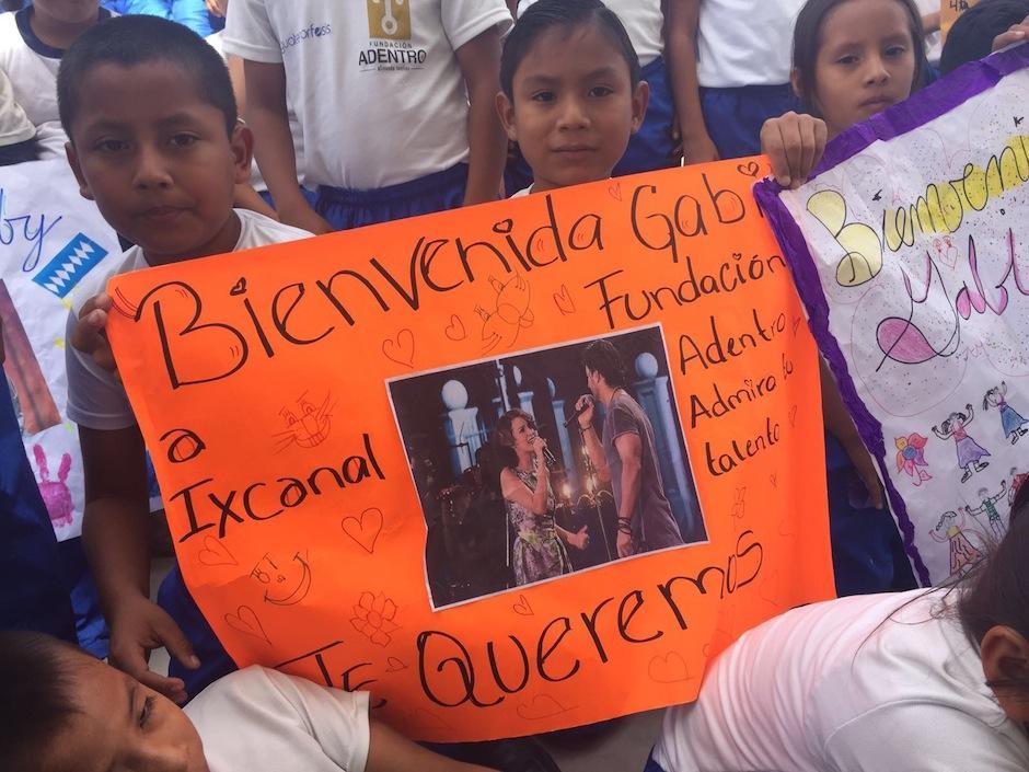 Los niños dieron a los invitados una calurosa bienvenida. (Foto: Esther García y Elly de Dardón)