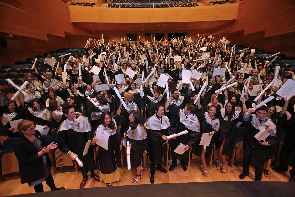 La Fundación beca a mujeres guatemaltecas y extranjeras que quieran estudiar alguna carrera universitaria. (Foto: Facebook, Fundación Bolar)