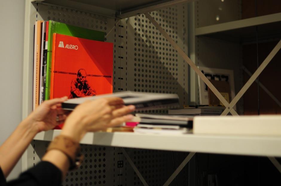 Pintura, fotografía, danza, literatura, performance, todo es documentado. (Foto: Alejandro Balán/Soy502)