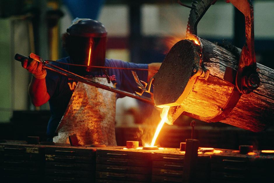 Los estudios de la OMS demostraron que los trabajadores de la industria del hierro y las fundiciones tienen un riesgo más alto de desarrollar cáncer de pulmón. (Foto: Internet)