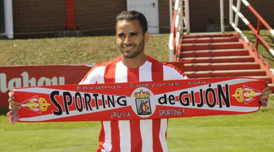 Douglas llegó al Sporting esta temporada procedente de Barcelona. (Foto: Futbol AS)