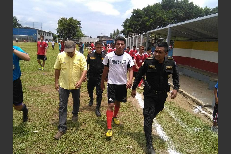Daniel Pedroza fue capturado por la agresión al árbitro. (Foto: Servicable Canal 14/Facebook)