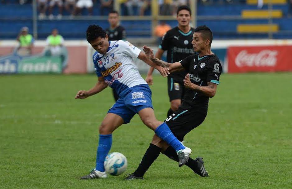 Armas es parte del proyecto de futbolistas jovenes de Suchitepéquez. (Foto: Nuestro Diario)