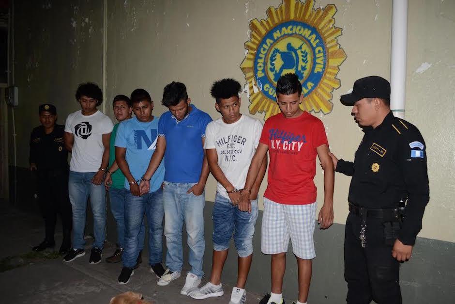Víctor Armas junto a cinco personas más fueron detenidos por la PNC acusado de intento de violación. (Foto: Nuestro Diario)