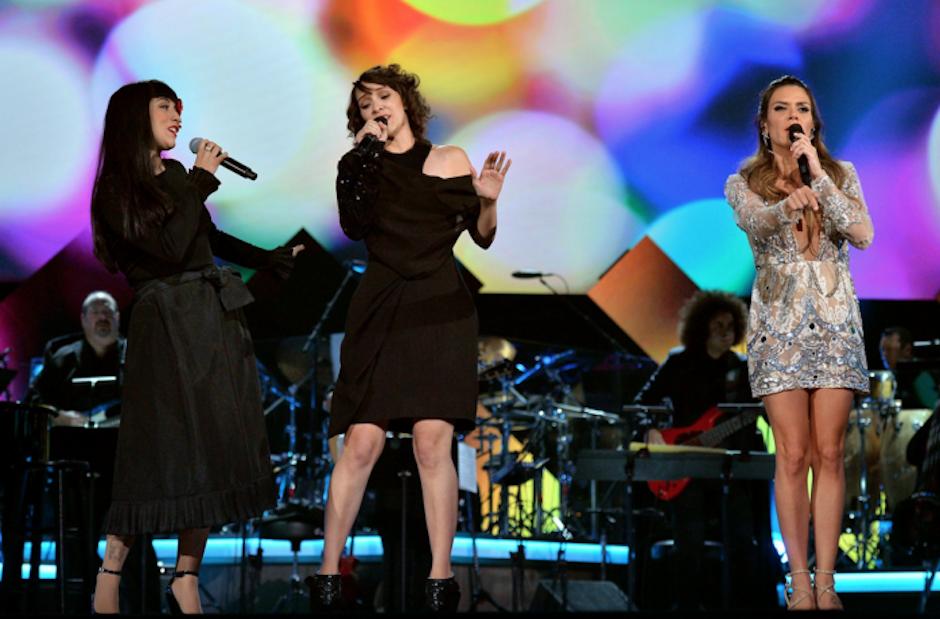 """Mon Laferte, Gaby Moreno y Kany García interpretaron """"Que ciego fui"""" a Marc Anthony. (Foto: Latin Grammy)"""