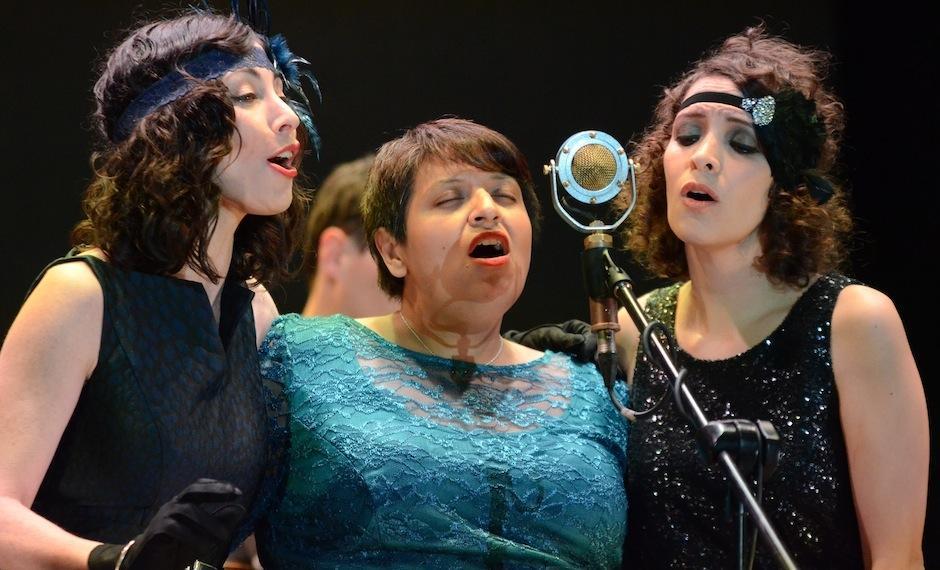 The SongBirds dedica una canción a la llorona. (Foto: Selene Mejía/Soy502)