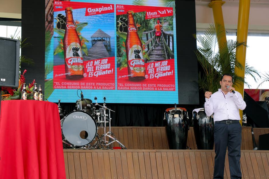Ricardo Pontaza, gerente de marca Gallo, en conferencia de prensa anunciando los próximos eventos del verano. (Foto: George Rojas/Soy502)