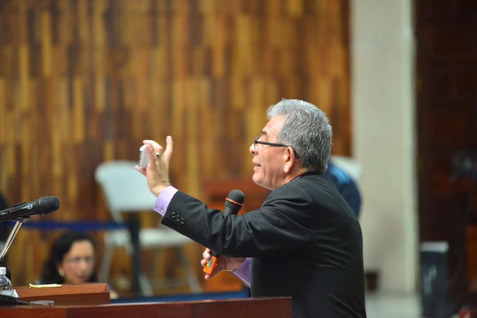 El juez hace una conexión de los implicados con las pruebas. (Foto: Jesús Alfonso/Soy502)