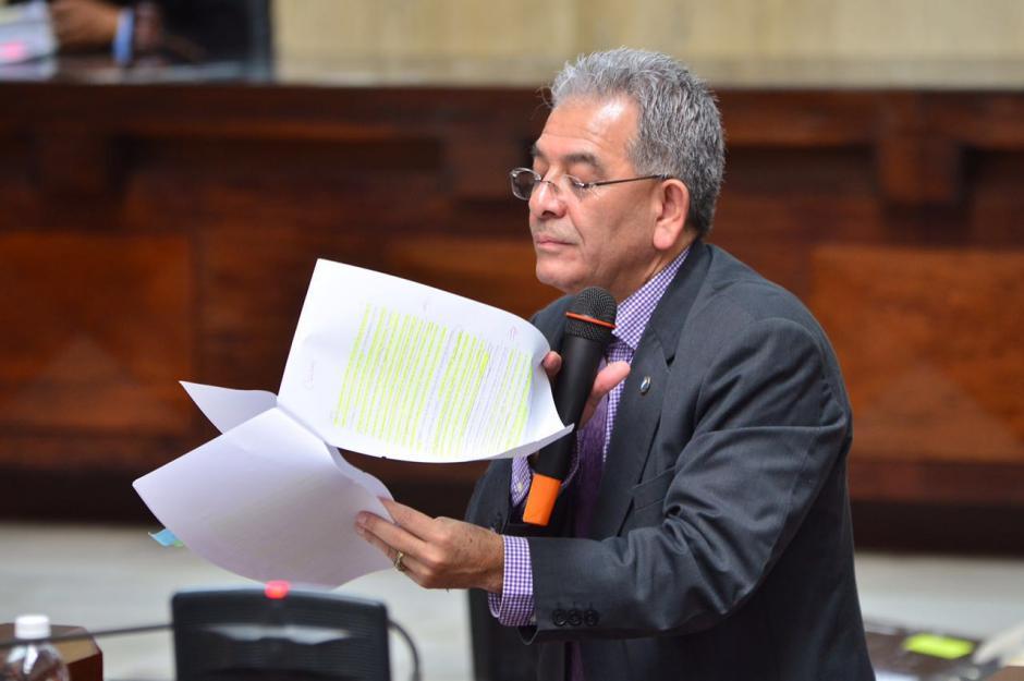 El juez Miguel Ángel Gálvez explica su resolución. (Foto: Jesús Alfonso/Soy502)