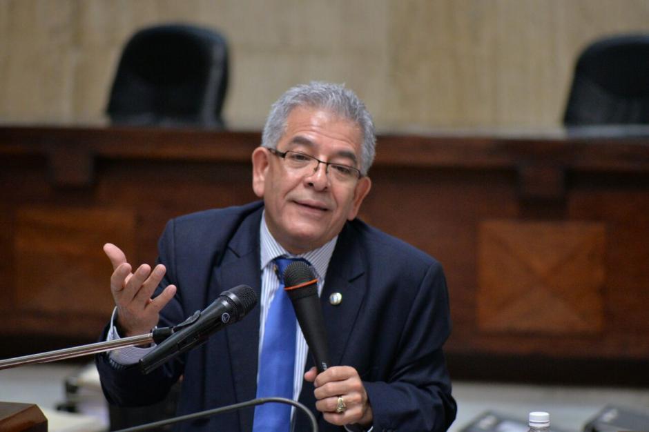 Durante varias horas el juez expone sus motivos en el caso. (Foto: Wilder López/Soy502)