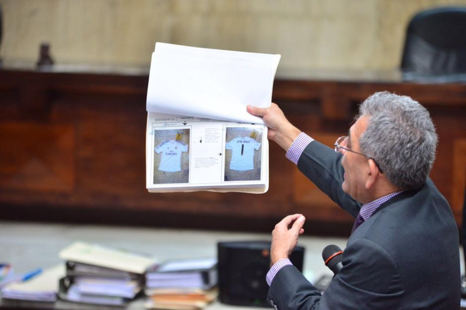 Entre los documentos están algunas pertenencias del exmandatario. (Foto: Jesús Alfonso/Soy502)