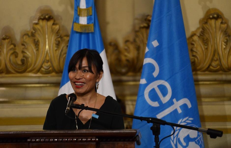 Mariko Kagoshima, representante adjunta de UNICEF, habló de la importancia de preservar la tradición oral. (Foto: Selene Mejía/Soy502)