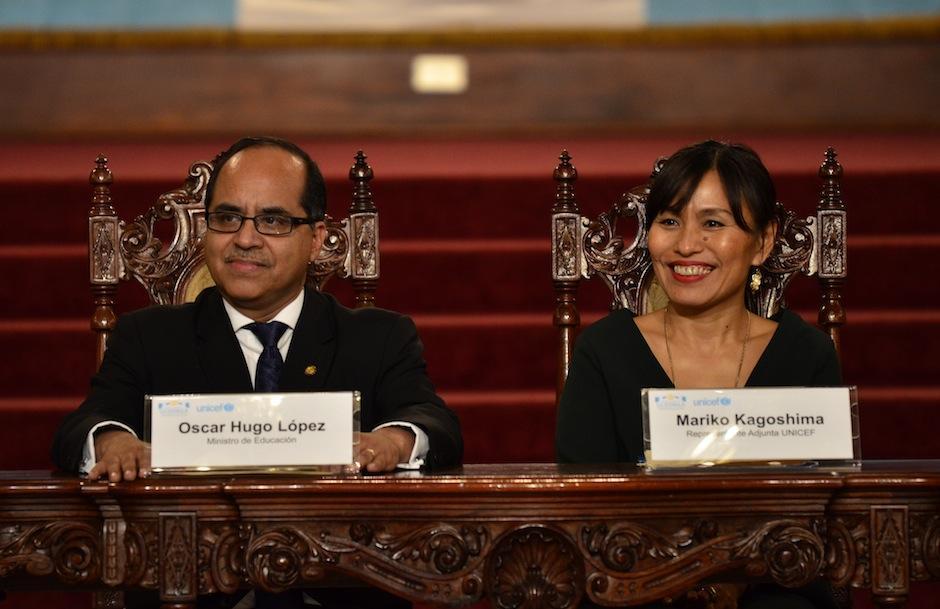 Representantes de UNICEF y del Ministerio de Educación tienen esperanzas en los futuros escritores. (Foto: Selene Mejía/Soy502)