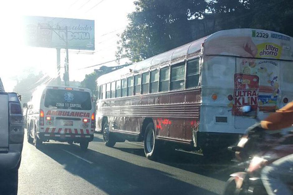El incendio provocó tráfico en San Cristobal. (Dalia Santos/PNC)