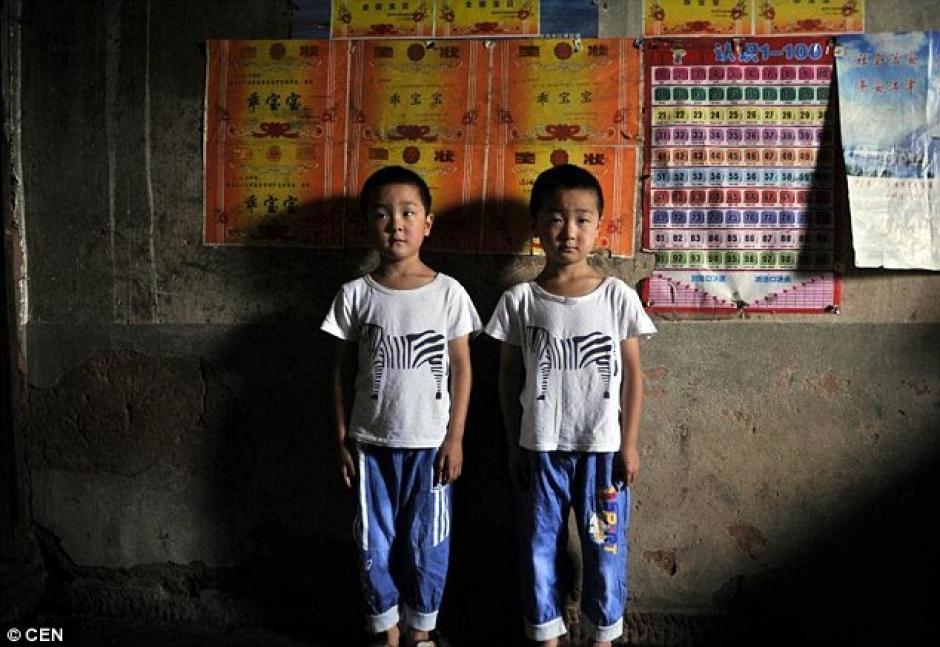 La escuela primaria local tiene un par de gemelos en casi todas las clases. (Foto: DailyMail)