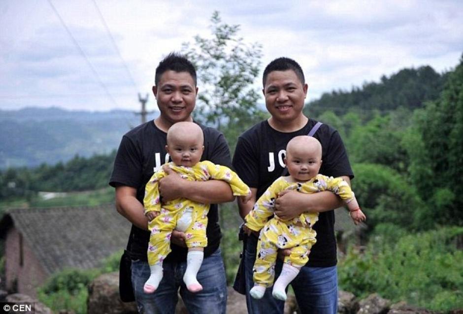 Los gemelos más jóvenes tienen nueve meses de edad. (Foto: DailyMail)