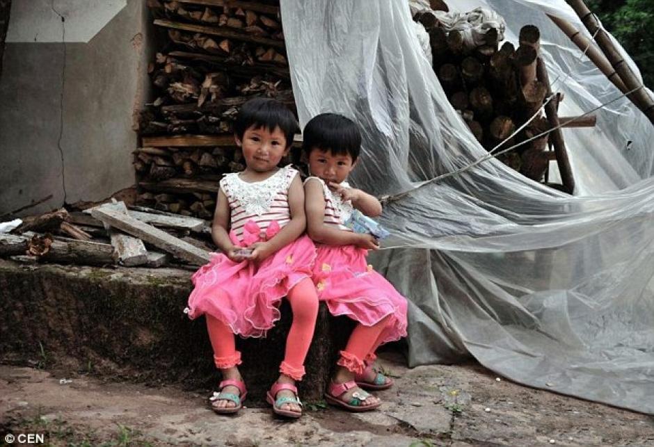 Las hermosas niñas gemelas. (Foto: DailyMail)