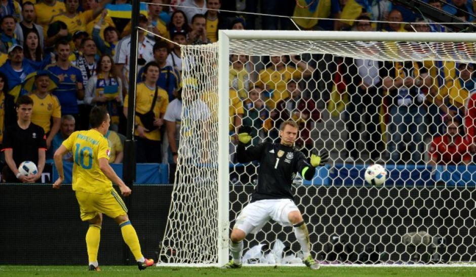 Cuando fue exigido Manuel Neuer respondió, clave en el once de Alemania. (Foto: AFP)