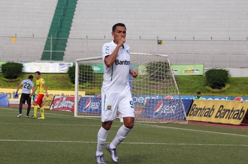 Gerson Tinoco se estrenó como goleador con los cremas. (Foto: @CremasOficial/Twitter)