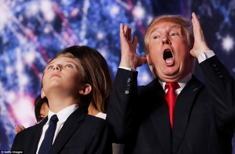 El menor se parece mucho a su padre incluso les gusta el mismo deporte: El golf. (Foto: Getty Images)