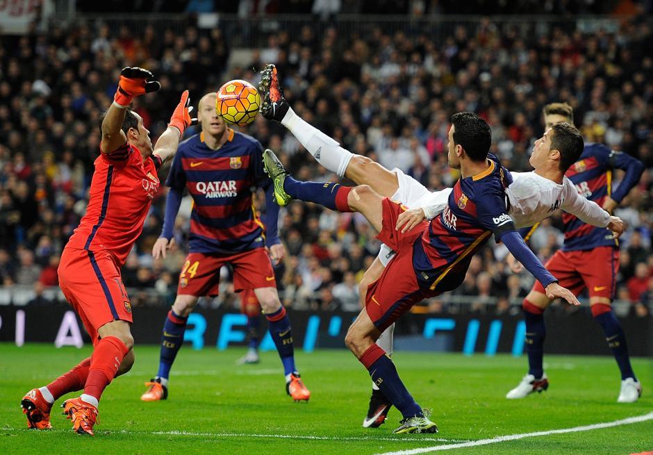 Barcelona humilla al Real Madrid en el Bernabéu foto 04