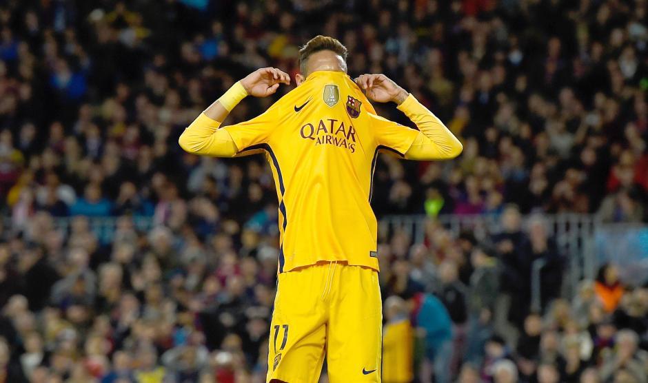 Neymar lamentó en varias ocasiones no conseguir el gol. (Foto: Getty)