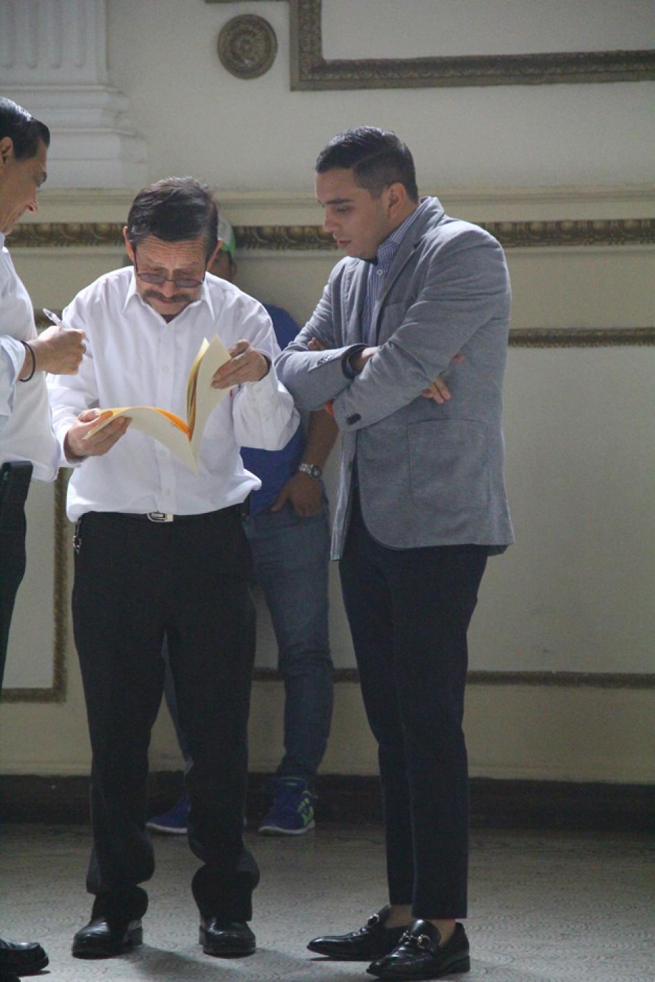 """""""Dejémoslo mejor en que es un pantalón cuto"""", dijo Giordano a los periodistas que le preguntaban por su pantalón. (Foto: Soy502)"""