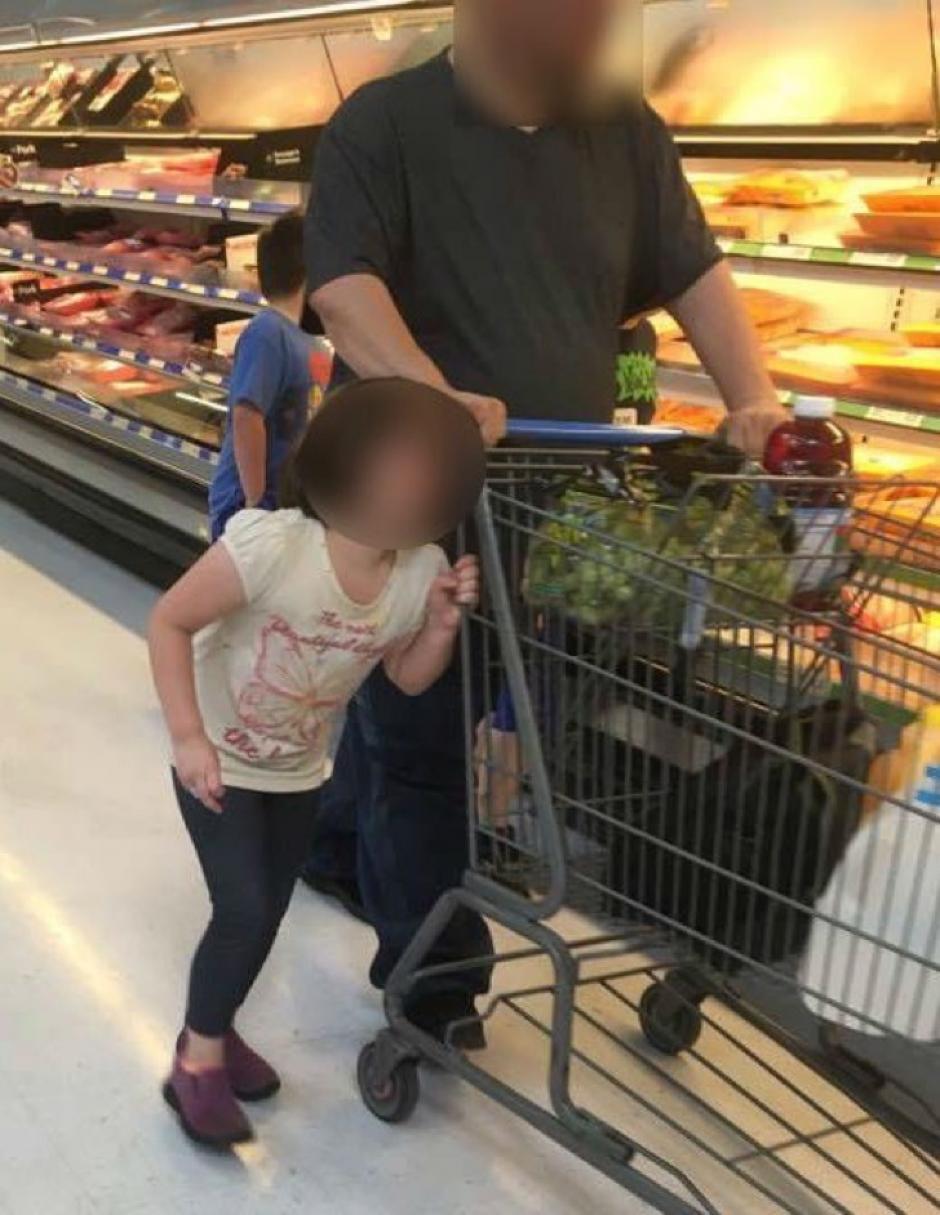 La usuaria que captó las imanes quiso detener al hombre. (Foto: Facebook /Erika Burch)