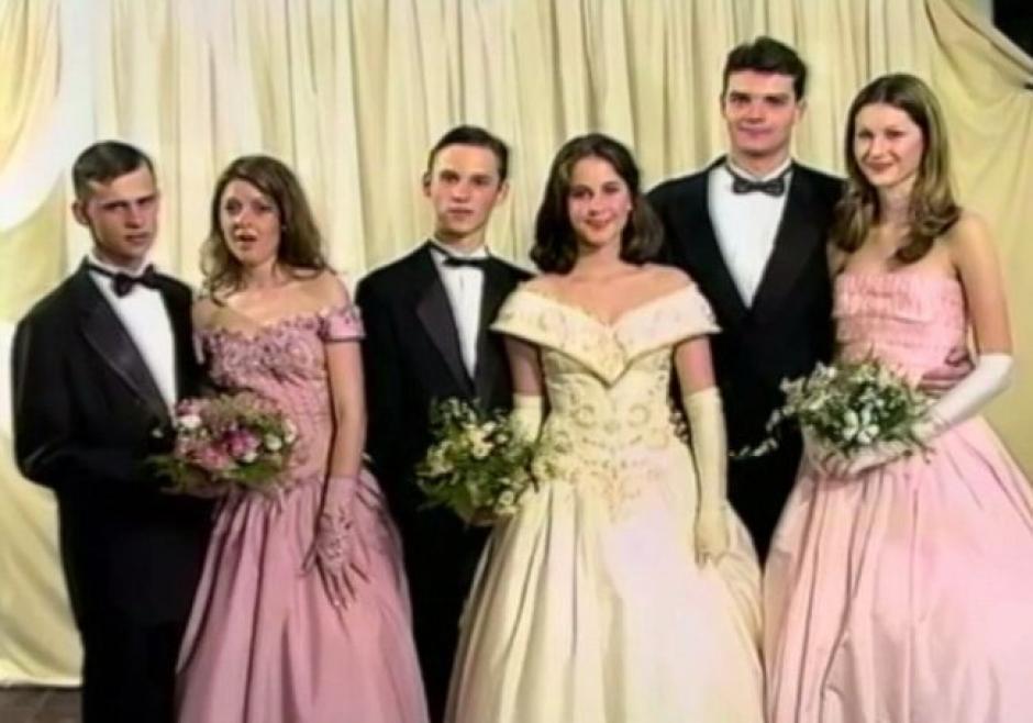 Gisele, sus hermanas y sus caballeros lucían como en un cuento de hadas. (Foto: Daily Mail)
