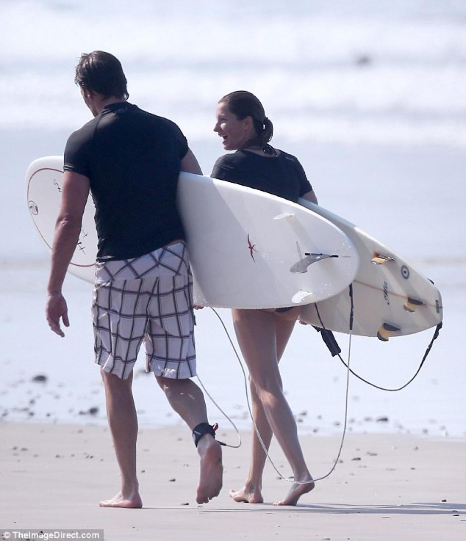 La pareja compartió de un buen momento en Costa Rica. (Foto: Daily Mail)