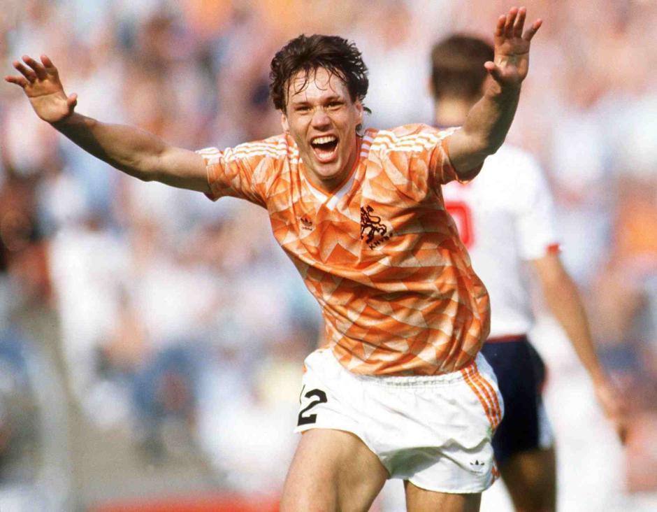 Marco Van Basten vio interrumpida su carrera futbolística por una lesión, pero en su corto tiempo como jugador sumó tres Balones de Oro. (Foto. goal.com)