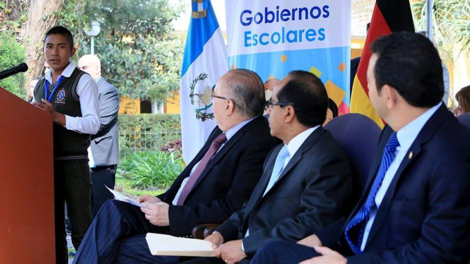 Presidente de Gobierno Escolar proveniente de Baja Verapaz habla sobre su experiencia. (Foto: Presidencia)