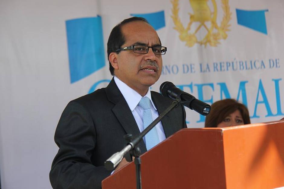 Ministro de Educación, Oscar López, se pronunció durante el acto. (Foto: Mineduc)