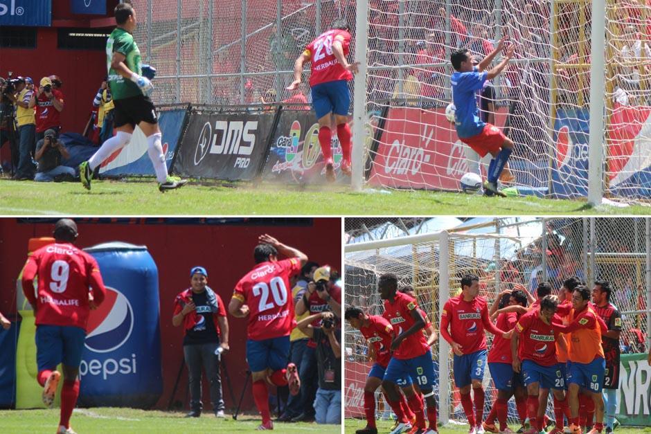 Este es el primer gol de Carlos Ruiz en su segunda era como jugador de Municipal. (Imagen: José Dávila/Soy502)