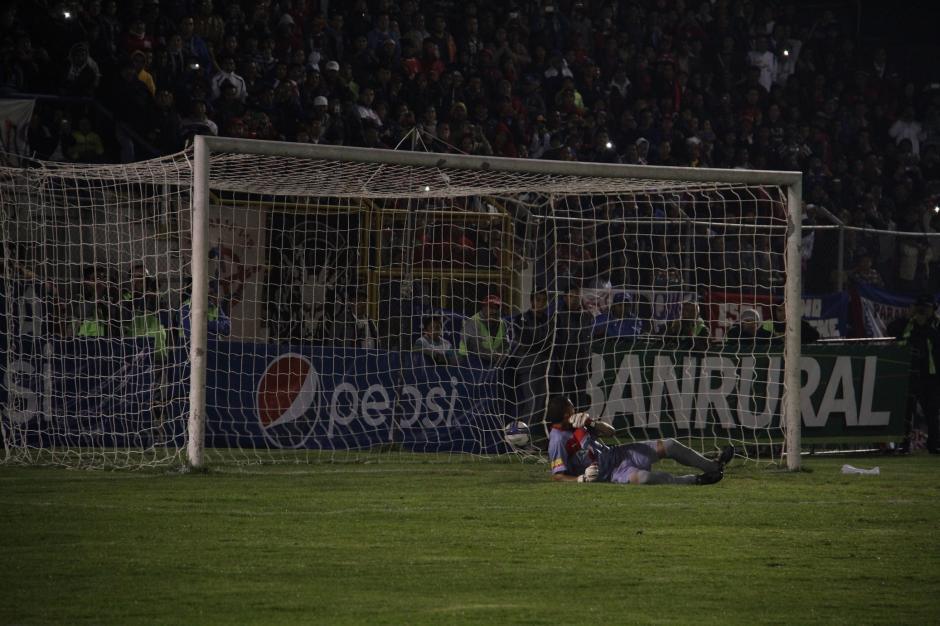 Israel Silva abrió el marcador en el Mario Camposeco ante Municipal. (Foto: Nuestro Diario)