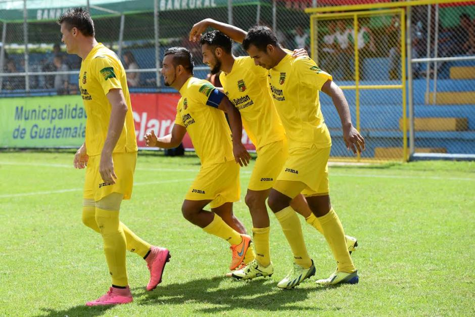 Guastatoya consiguió un histórico 3-0 de visita ante Municipal. (Foto: Sergio Muñoz/Nuestro Diario)