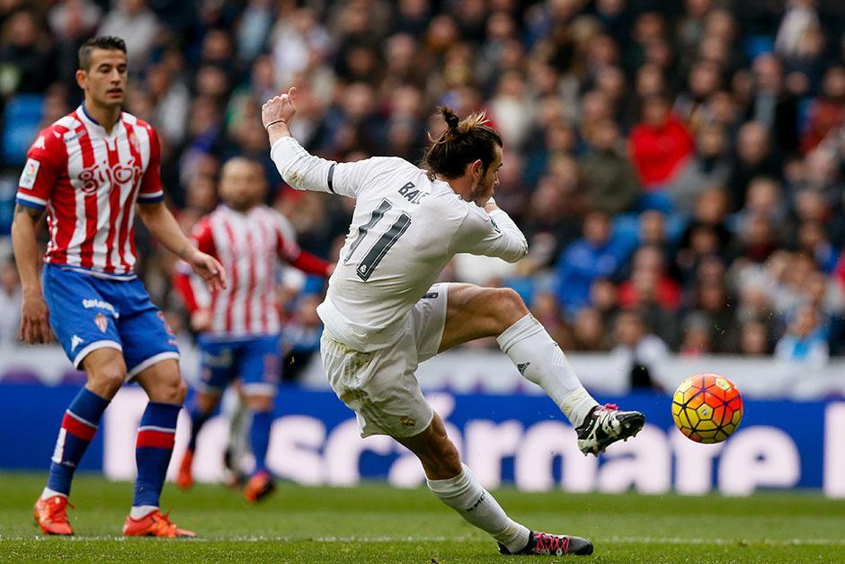 El galés Gareth Bale; anotó un golazo. Vive uno de sus mejores momentos en el Madrid, sufrió una lesión minutos después. (Foto: EFE)