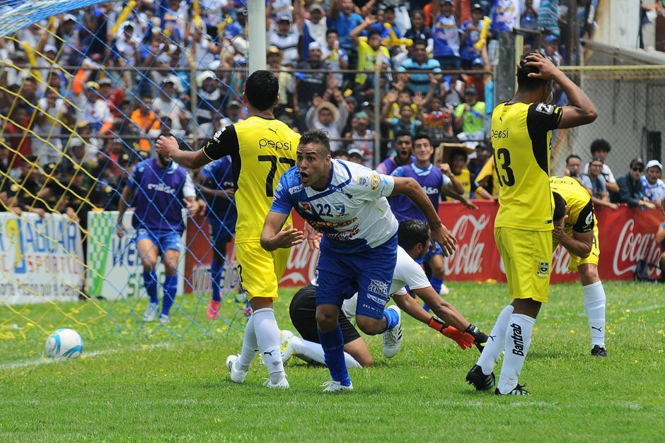 Ladogana marcó el primer gol de Suchi frente a los cremas en la final. (Foto: Luis Barrios/Soy502)
