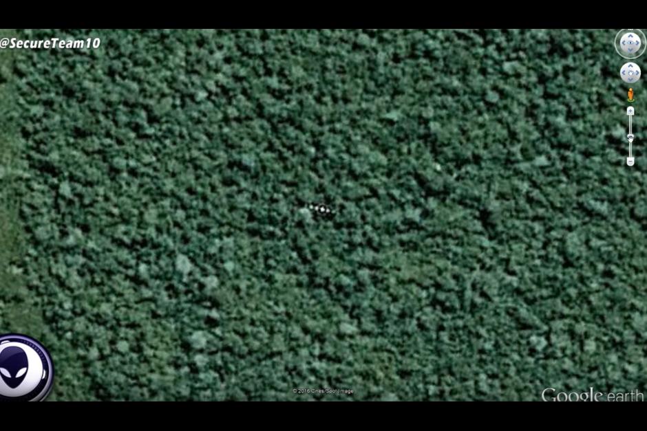 Los amantes de los fenómenos UFO aseguran que se trata de un ovni. (Foto: Google Earth)