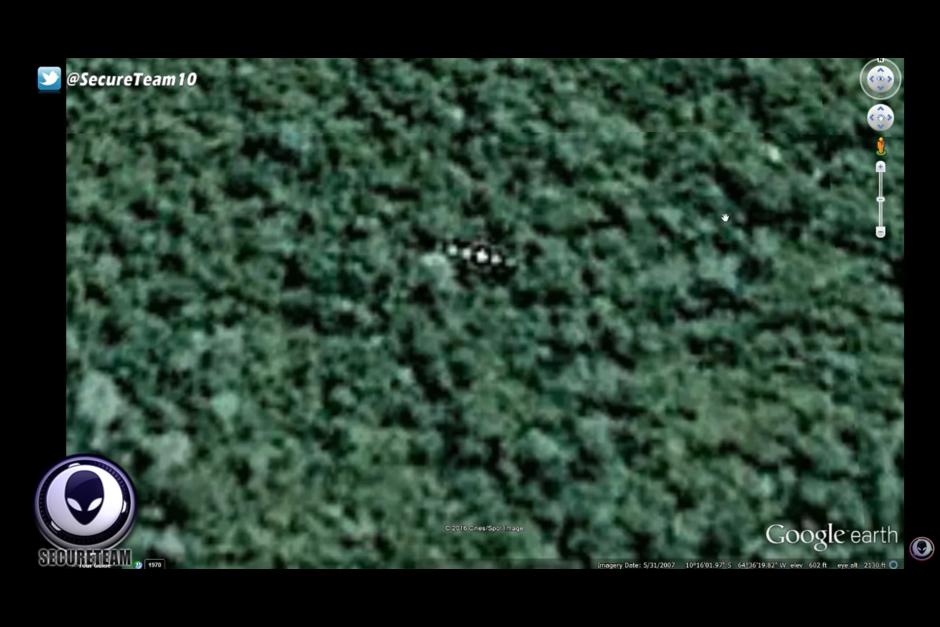 El lente de Google Earth capta un extraño objeto en la selva amazónica. (Foto: Google Earth)