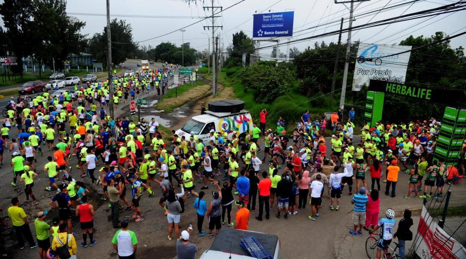 El Medio Maratón se realizó en Costa Rica este domingo 16 de octubre. (Foto: La Nación)
