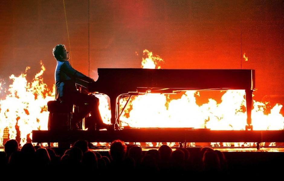 El pianista chino Lang Lang interpretó una pieza magnífica junto a Metallica. (Foto: Grammy)