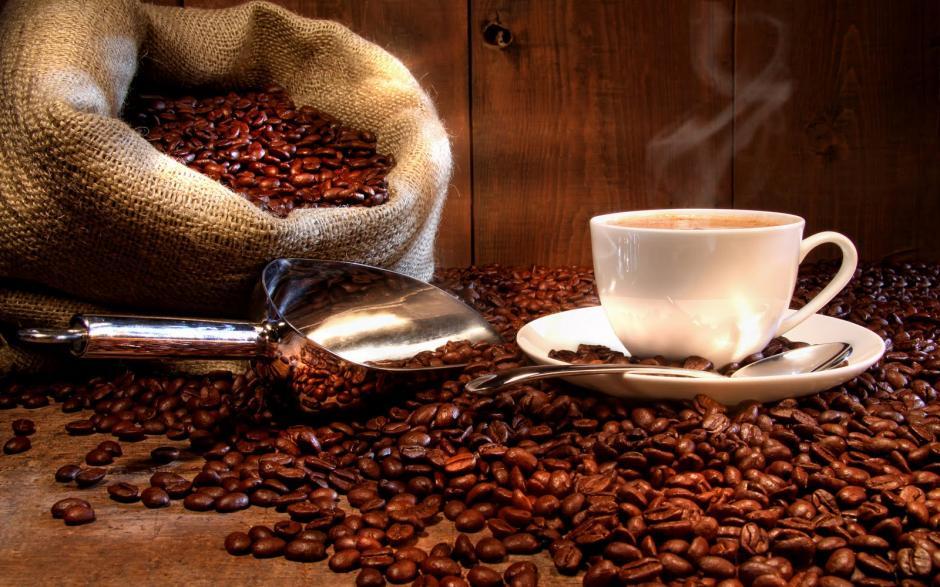 9. Café:debe ser guardado en un recipiente hermético y en un lugar fresco y seco para conservar su sabor. (Fuente: Morguefile)