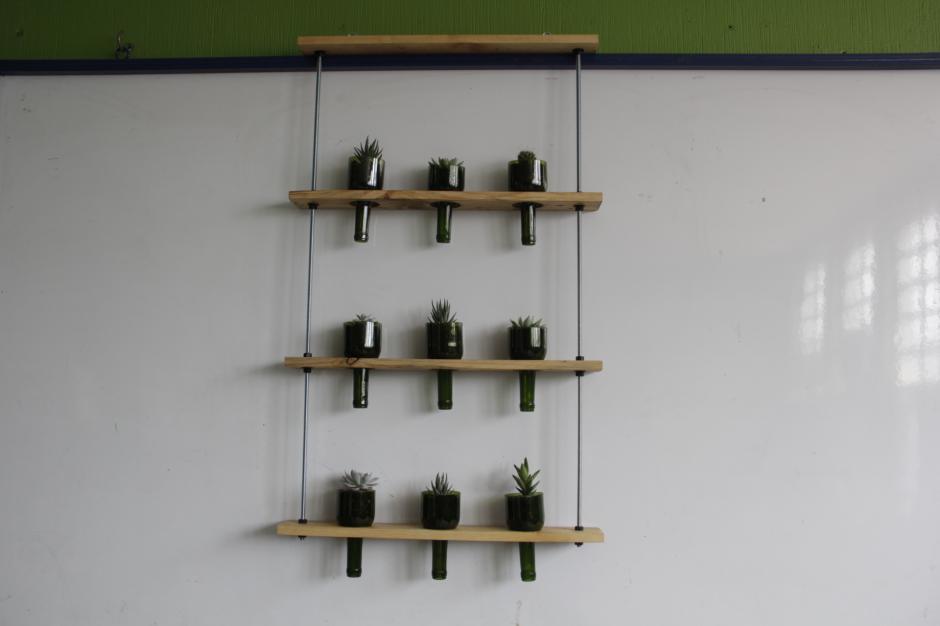 Las jardineras son el nuevo proyecto en el que trabajan estos emprendedores. (Foto: Fredy Hernández/Soy502)