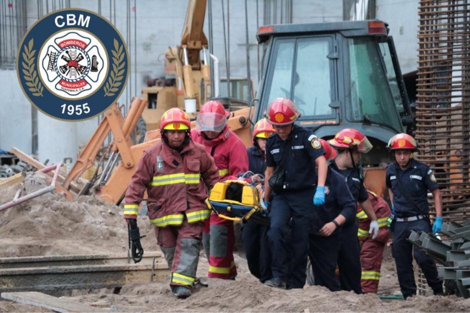El operador de una grúa se quedó atrapado luego de que esta se incendia0ra. (Foto: @bomberosmuni)